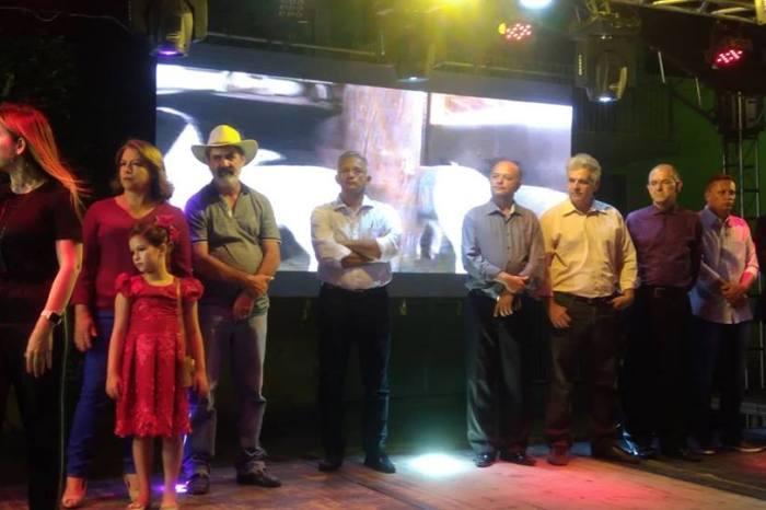 Vereadores prestigiam abertura da 1ª Feira de Caprinovinocultura em Monteiro