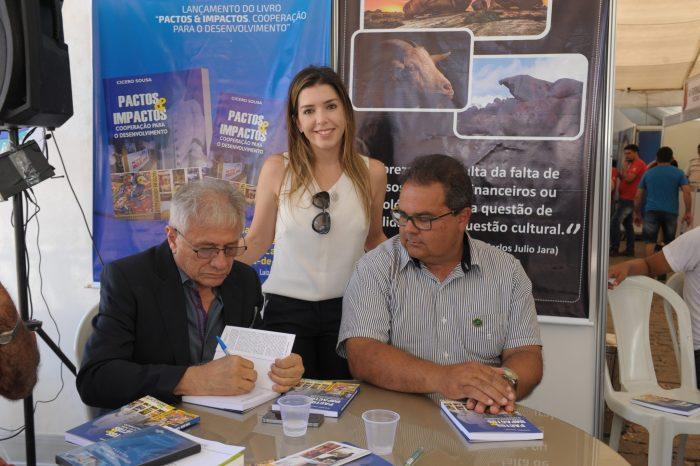 Prefeita comemora grande sucesso da I Feira de Caprinovinocultura em Monteiro