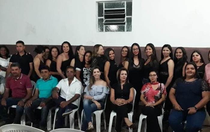 Prefeita Anna Lorena prestigia cerimônia de encerramento de curso de Cabeleireiro na zona rural