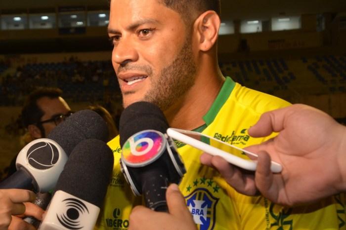 Em evento Hulk reafirma desejo de defender o Palmeiras