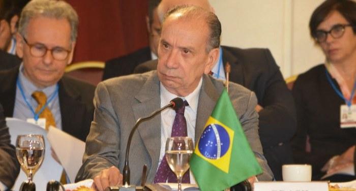 Brasil e Argentina assinam acordo de cooperação nuclear empresarial