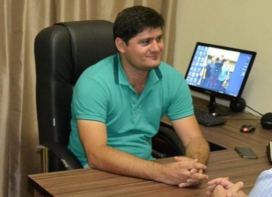 Prefeito de Zabelê confirma pagamento do 13º salário para esta segunda-feira