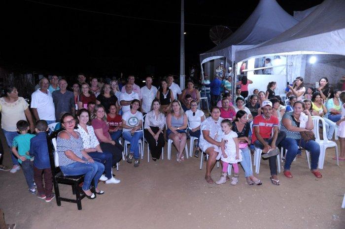 Prefeita de Monteiro, equipe de governo e vereadores participam de reunião na zona rural