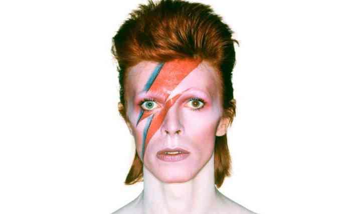 David Bowie é eleito a maior celebridade do século 20