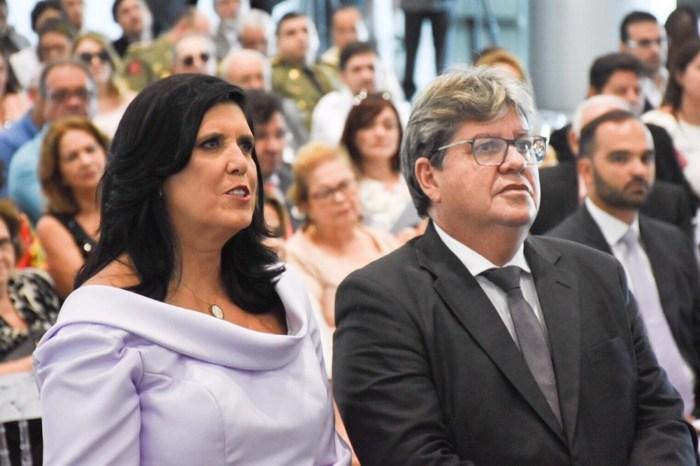 João Azevedo toma posse como governador do estado da Paraíba