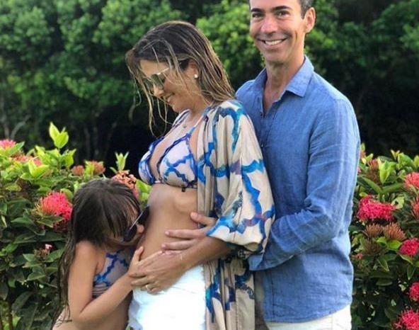 Ticiane Pinheiro anuncia seu primeiro filho com César Tralli