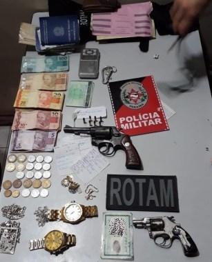 Polícia prende suspeitos de tráfico e apreende armas de fogo em Monteiro