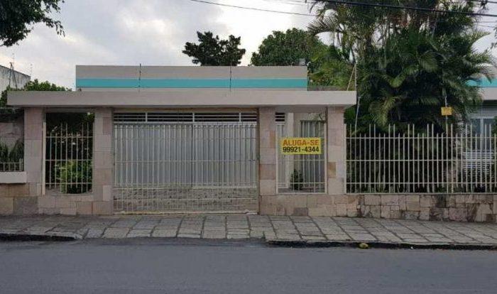 Família Cunha Lima resolve alugar casa do poeta Ronaldo em CG