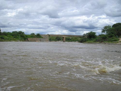 Chove forte em toda região do Cariri e rios amanhecem com enchentes