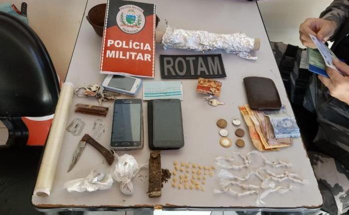 Casal é detido suspeito de tráfico de drogas na cidade de Monteiro