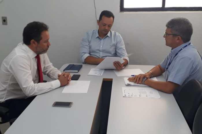 Cagepa, Prefeitura e PROCON se reúnem para tratar sobre abastecimento de água em Sumé