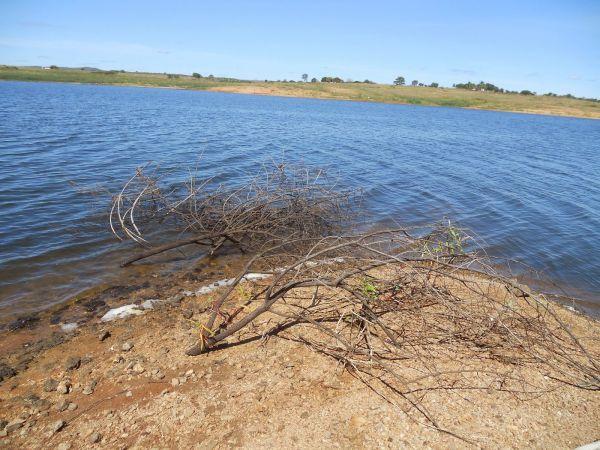 MPF apura captação irregular de água em açude da Paraíba