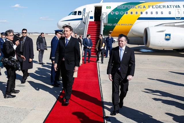 Bolsonaro chega aos Estados Unidos para visita oficial