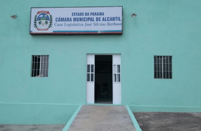 Willian assume novamente presidência da Câmara de Alcantil sem presença da situação
