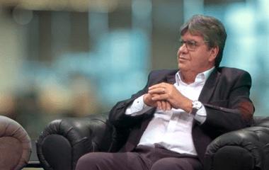 João anuncia construção de ginásios no Cariri na primeira etapa do programa Bom de Bola