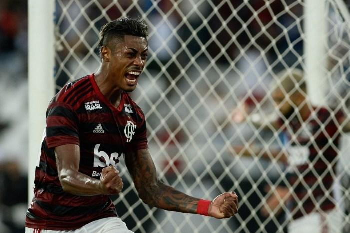 Flamengo supera Vasco e sai na frente na final do Carioca