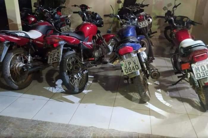 Polícia recupera quatro motos roubadas e prende acusado na zona rural de Monteiro