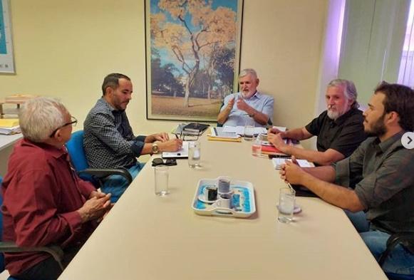 Prefeito se reúne com Luiz Couto para debater ações para agricultura familiar de SSU