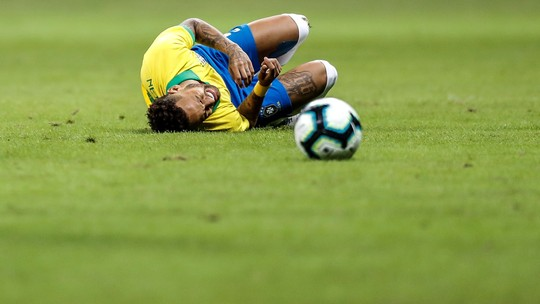 Lesão no tornozelo tira Neymar da Copa América