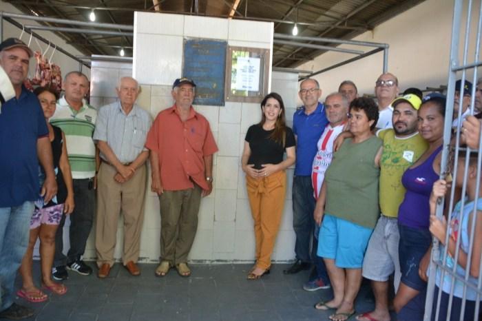 Prefeita de Monteiro entrega reforma e modernização do açougue público