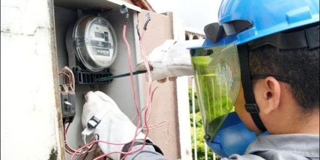 Crime: Três unidades de consumo são flagradas furtando energia em Monteiro
