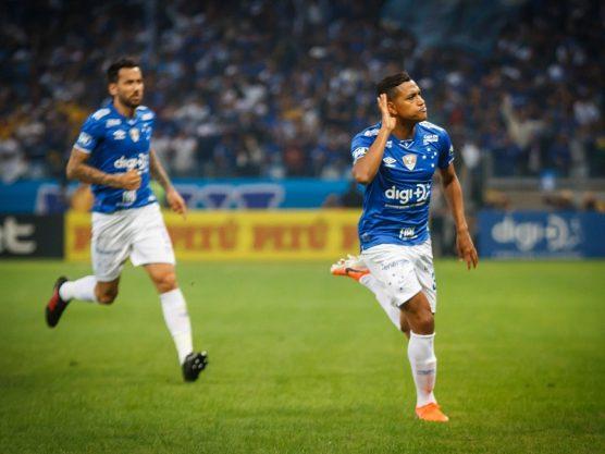 Cruzeiro goleia Atlético-MG e fica perto de semi na Copa do Brasil