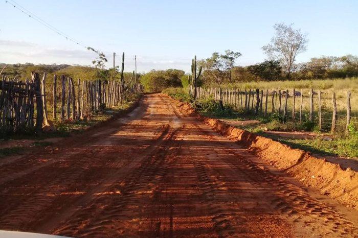 Secretaria de Agricultura de Monteiro realiza manutenção de estradas da zona rural