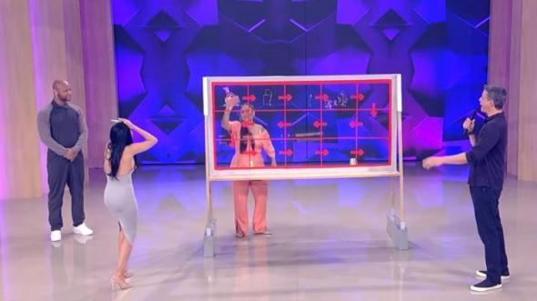 Simone e Simária se desentendem em gravação na Globo