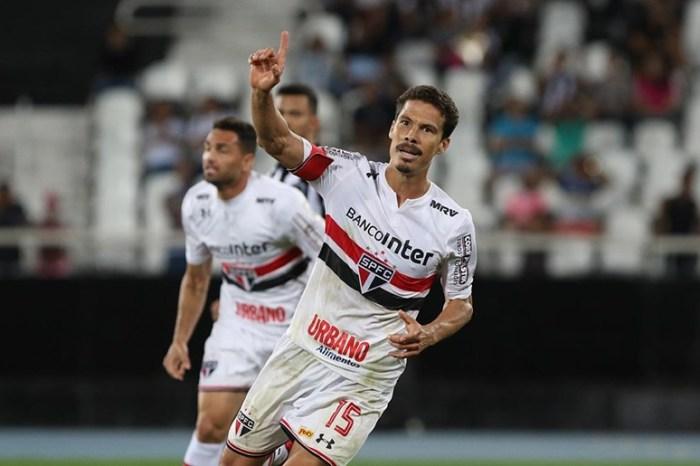 São Paulo busca reação no clássico contra o líder Palmeiras