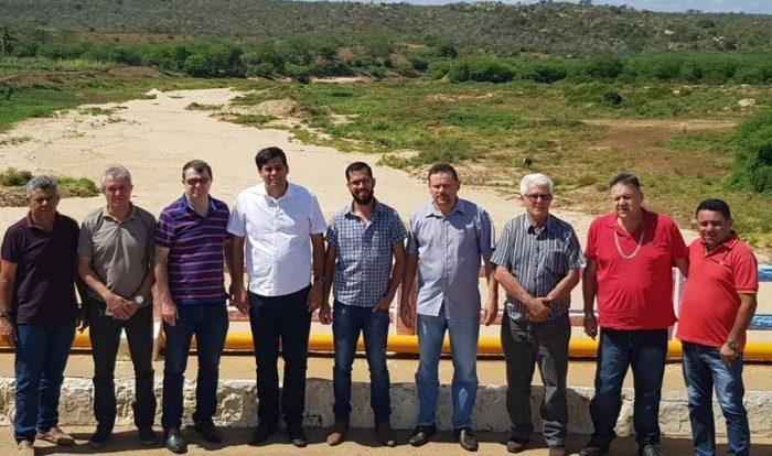 Deputado Moacir discute Ramal do Cariri com o prefeito de Cabaceiras e lideranças