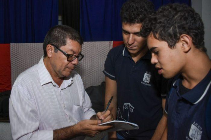 Jornalista lança livro sobre o Liceu Paraibano com vários depoimentos