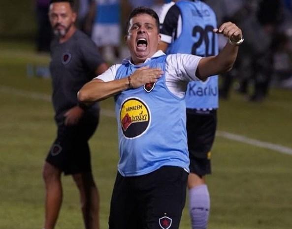 Botafogo-PB renova com Evaristo Piza para temporada 2020