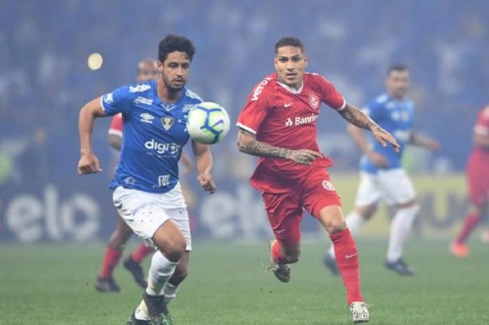 Internacional vence Cruzeiro e larga na frente na semifinal