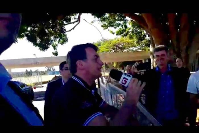 Bolsonaro manda recado para TVs e chama repórteres de urubus
