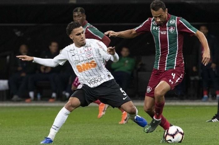 Corinthians e Fluminense empatam em jogo de ida da Sul-Americana