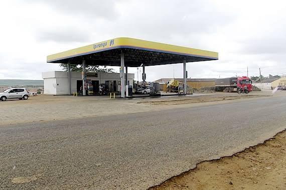Trio assalta posto de combustível e leva moto e dinheiro em cidade do Cariri