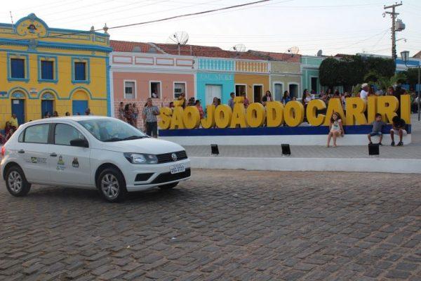 Prefeitura de São João do Cariri entrega nova praça, letreiro e um veículo 0KM