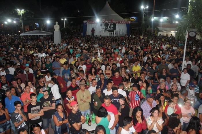 Praça José Américo recebe grande público na final do Festival Zé Marcolino