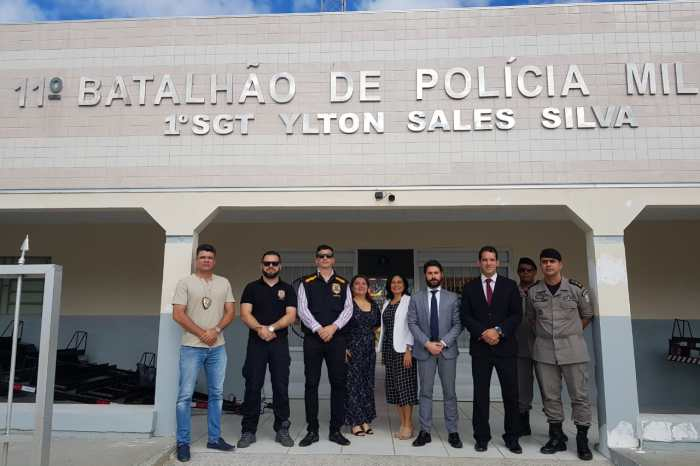 Comando do 11º BPM em Monteiro recebe visita da Justiça Federal e Ministério Público