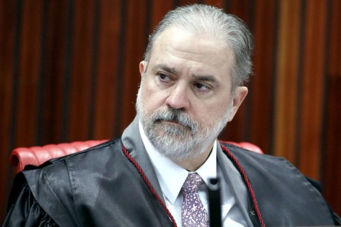 Aras repudia atitudes de Janot e declarações de Gilmar Mendes