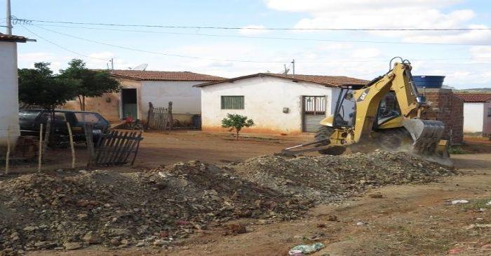 Prefeitura de Caraúbas e Governo do Estado firmam parceria para realizar saneamento
