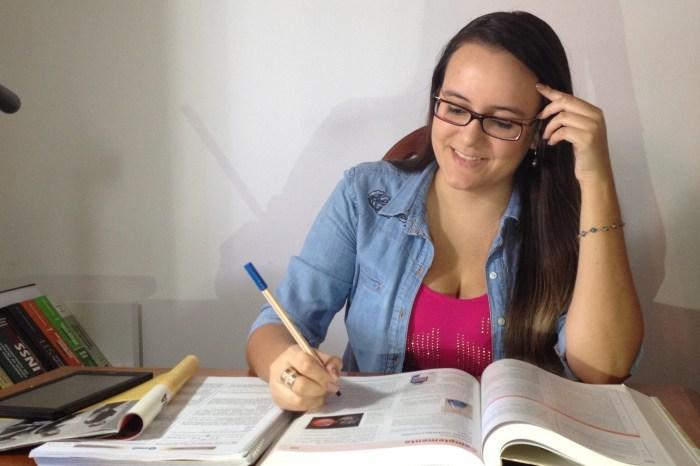 Paraibana que tirou nota mil na redação oferece tutoria online