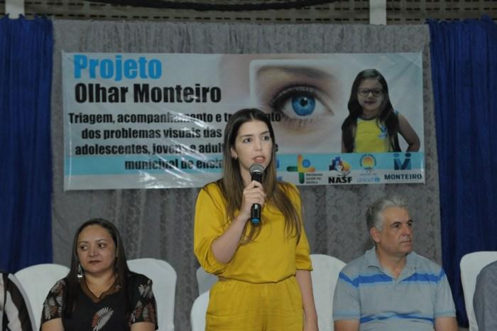 Prefeita Anna Lorena lança programa 'Olhar Monteiro' que beneficiará alunos da Rede Municipal de Monteiro