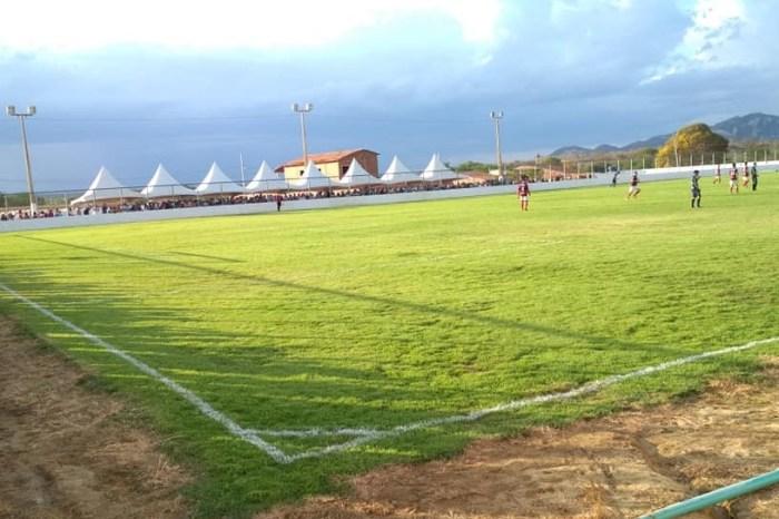 Torneio marca reinauguração de estádio de futebol no Congo