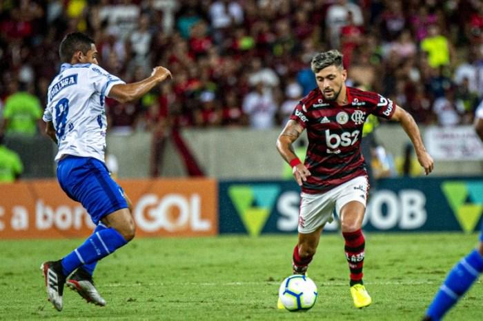 Flamengo cansa, mas consegue ganhar e mantém vantagem