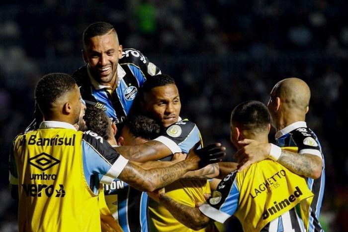 Grêmio vence o Vasco de virada no Campeonato Brasileiro