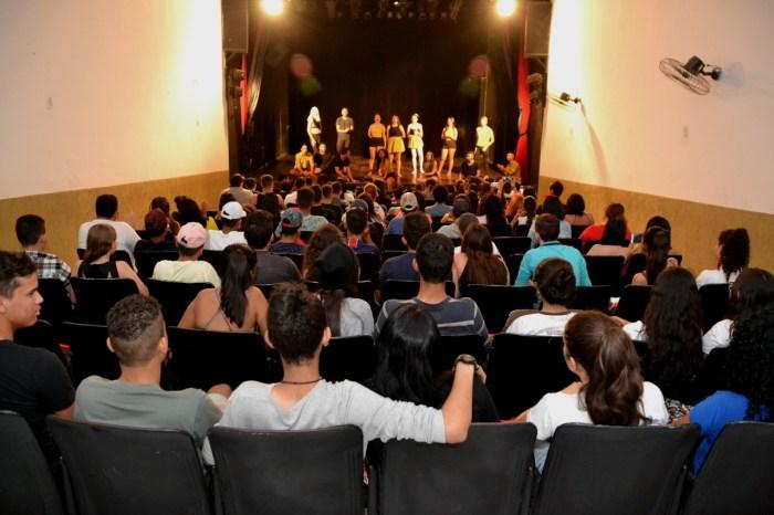 Monteiro respira cultura com na IX Mostra de Teatro e Dança