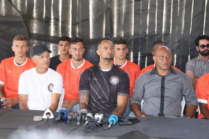 Após polêmica, time de MT desiste de contratar goleiro Bruno