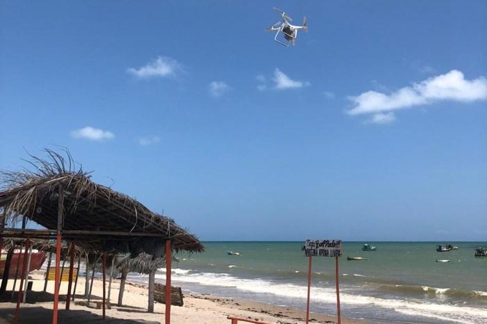 Drones da Polícia monitoram litoral sul após manchas no PE