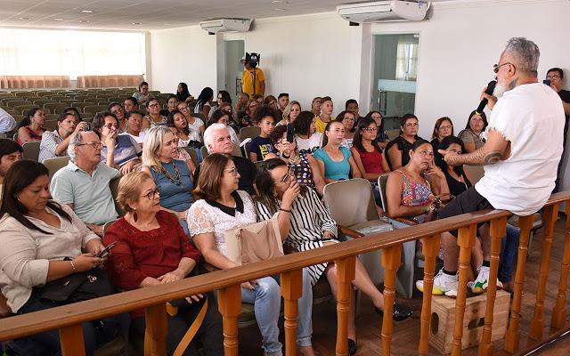 Rendeiras do Cariri paraibano participam de oficinas com estilista Ronaldo Fraga